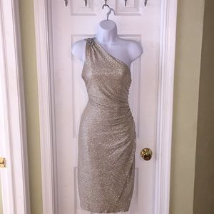 🌟Maggy London One shoulder Dress